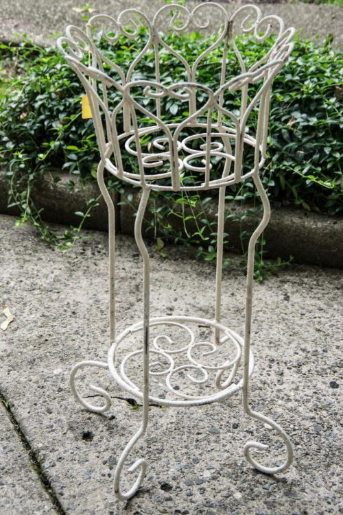 Wrought Iron French Plant Stand/Cream