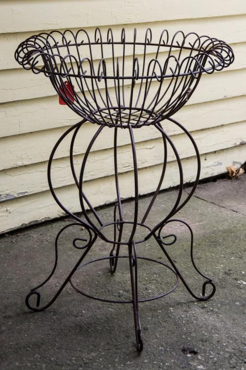 Wrought Iron Scroll Plant Stand/ Round